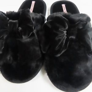 Victoria Secrets Black Fuzzy Slippers-NWT